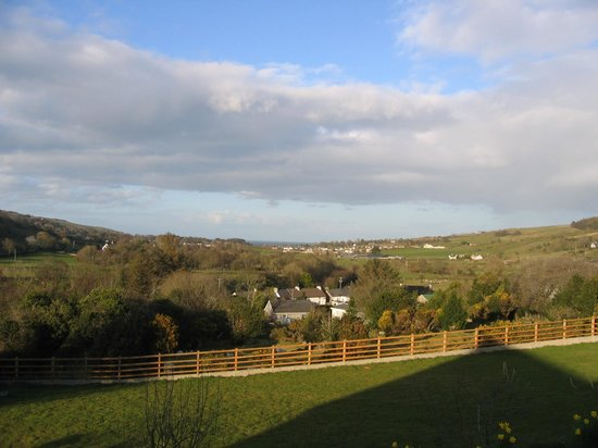 Glenn Eireann House B&B: view from back of b&b