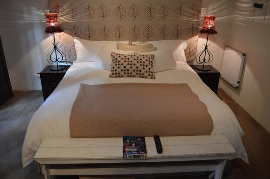 The Lofts Boutique Hotel: Very Comfortable bed