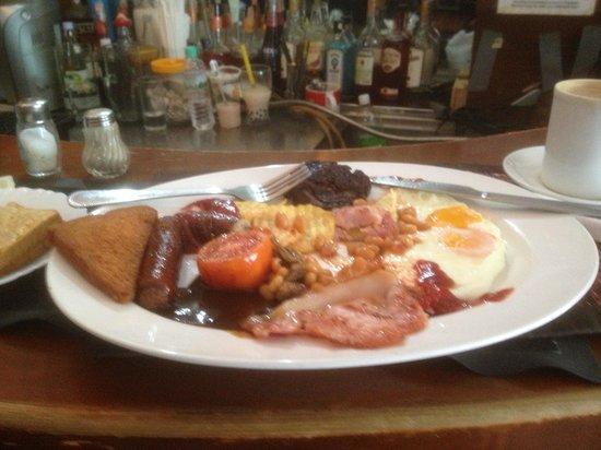 Chequers British Pub: The Full Monty