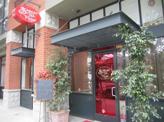 Scarlet Tea Room: 18 West Green Street