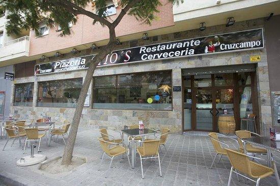 Restaurante Pizzería Tito´s: Fachada principal