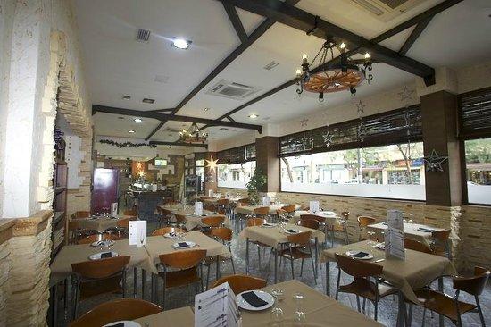 Restaurante Pizzería Tito´s: Nuestro Salón.