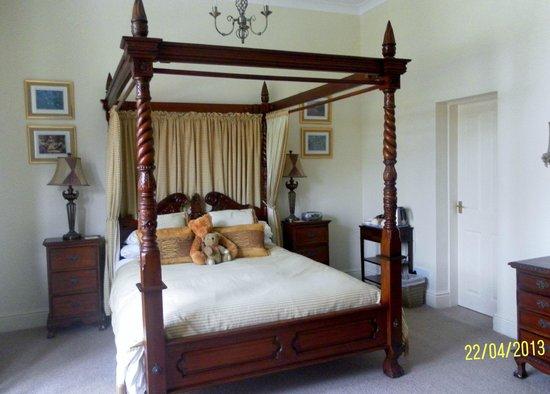 Ellingham House: Room 1...luxury!