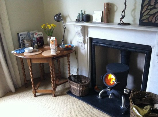 2 Albany Terrace: we even had a fireplace in the dining room!