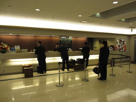 Osaka Tokyu REI Hotel: フロント