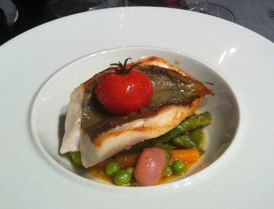 La Regalade Conservatoire: fish Saint-Pierre = + 10€ suppl on top of menu price