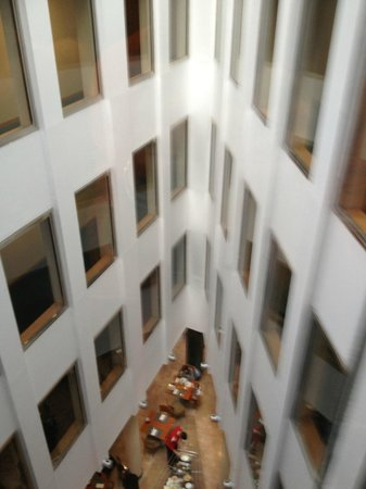 NH Logroño: ホテル内部(エレベーターから撮影)