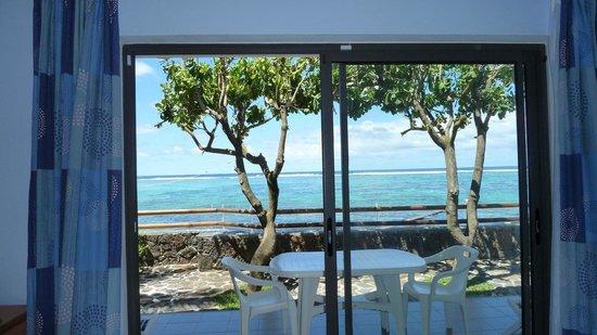Blue Beryl Guest House : Vue du lagon depuis le Studio
