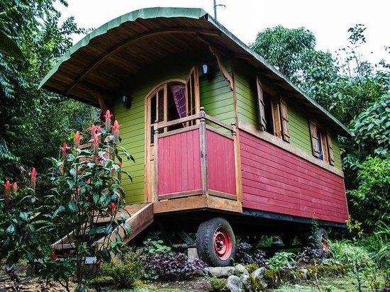 Hosteria La Roulotte: Charming cabin