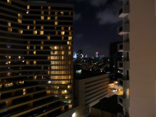 Dan Panorama Tel Aviv: night viewv from room