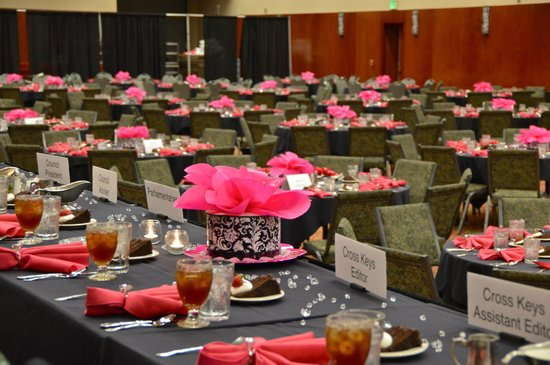 Indianapolis Marriott East: Plenty of room for well over 550 at back to back convention meals