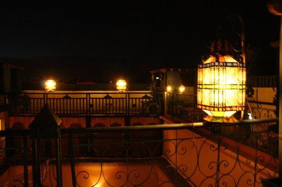 Riad Zara: La terrasse by night