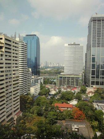 Rembrandt Hotel Bangkok: Sicht aus dem Zimmerfenster