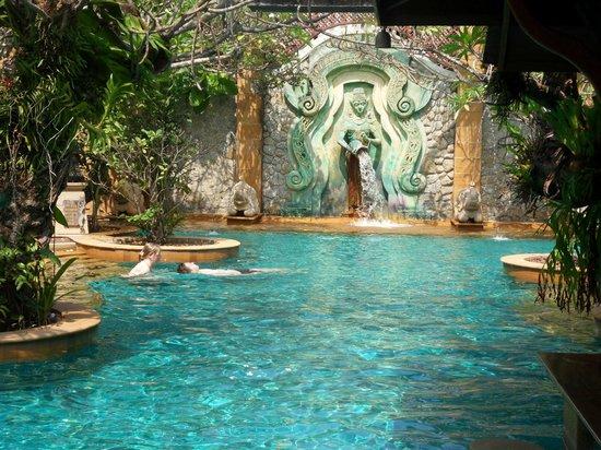 Sawasdee Village: Very nice pool area.