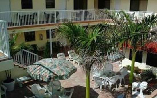 Nevada Beach Apartments - Hollywood Beach: Nevada Beach Apartments