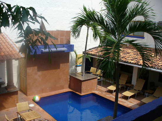 Hotel Mercurio: Pool area 2