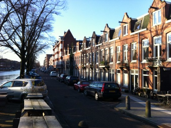 Bed and Breakfast Amsterdam: Street View