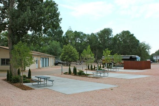Executive Pull Thru RV Sites - Picture of Garden of the Gods RV ...