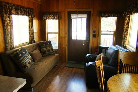 Garden of the Gods RV Resort: Resort Cottage Interior