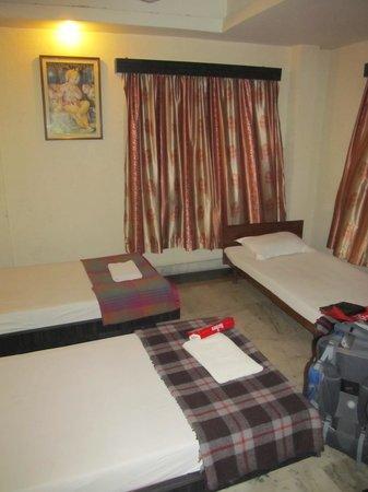 Kings Crown VIP Road: Simple room