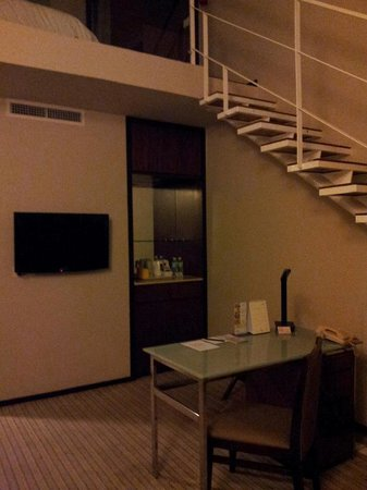 Eastin Hotel Penang: Staircase to the loft