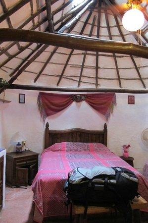 Casitas Kinsol: inside room