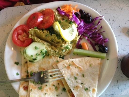 Sluggo's North Vegetarian Cafe: hummus plate