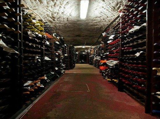 Antico Arco : Cantina - Wine Cellar