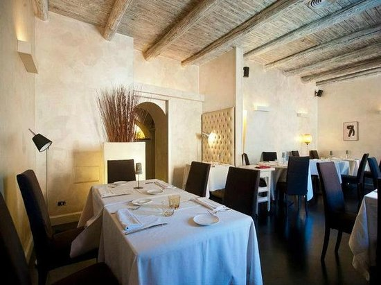Antico Arco: One of our Dining Rooms