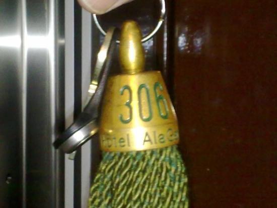 Hotel AlaGare: llave de la habitación.