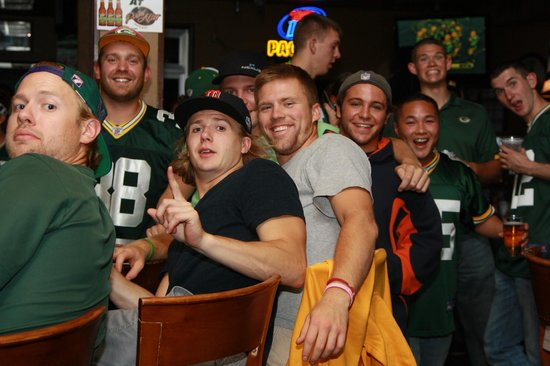 The Point After Pub: Packers vs Bears fans