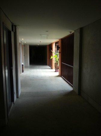 Mercure Samui Chaweng Tana Hotel: couloir