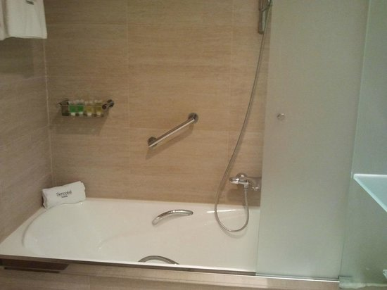 Sercotel Sorolla Palace Hotel: Baño Habitación 708
