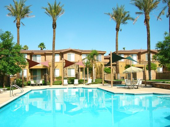 Sonoran Suites of Palm Springs: Exterior of Property - Pool Area