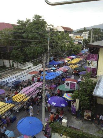 BaanBooLOo: Don't miss Chiang Mai Sunday Walking Street
