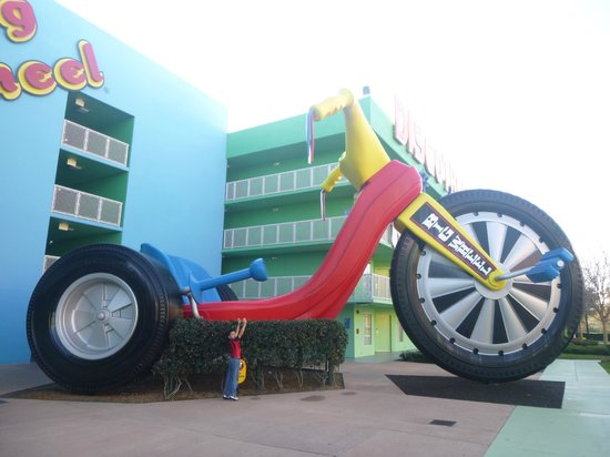Disney's Pop Century Resort: Triciclo gigante