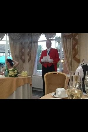 Ardmore House: Walter the toastmaster