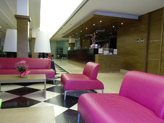 Hipotels Cala Millor Park : reception area
