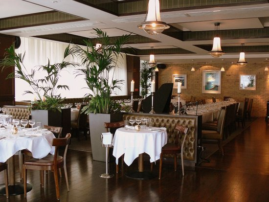 Boardwalk Bar & Grill: Restaurant