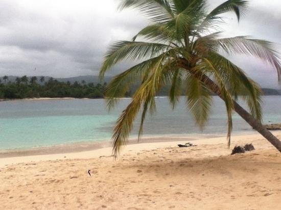 Yandup Island Lodge: the only beach at Yandup