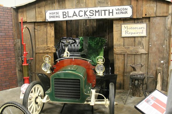 California Automobile Museum: cute settings