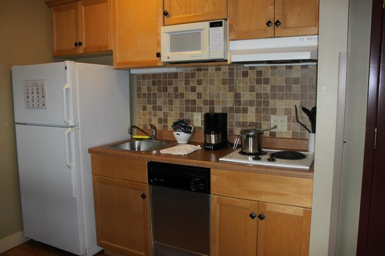 Green Mountain Suites Hotel: Kitchen