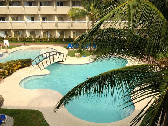 Doubletree Resort by Hilton, Central Pacific - Costa Rica: View of the Quiet Pool from our balcony