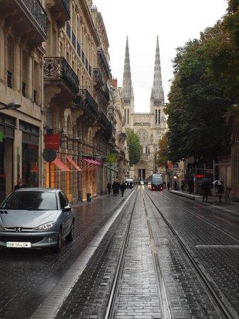 Chateau de Lantic: Pedestrian malls & Achitecture of Bordeaux
