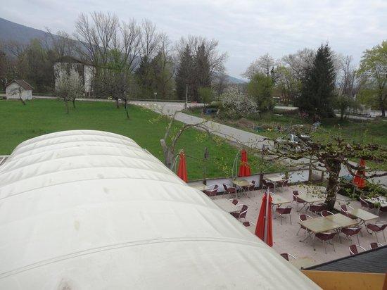 Les Tilleuls : vue sur la terrasse
