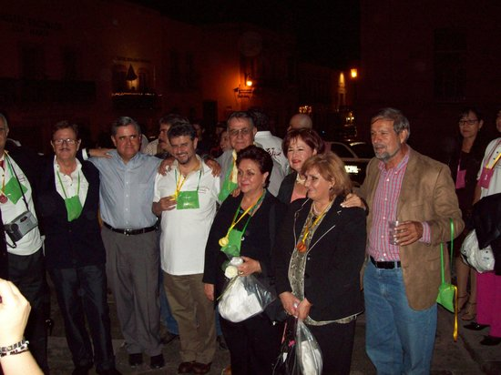 Plaza de Armas : Familia Varela agrupándose para el recorrido