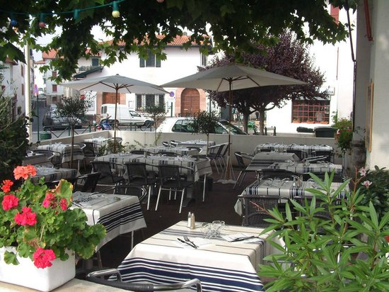 Restaurant Txantxangorri: la terrasse ombragée