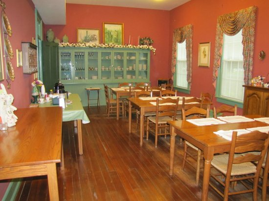 Spencer House Inn Bed and Breakfast: Wonderful dining room