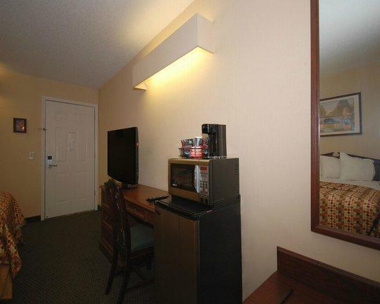 Quality Inn: Microwave, Gourmet Coffee, Refrigerator