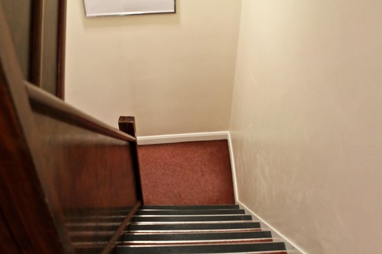 London City Hotel: Staircase